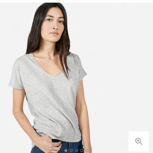 Everlane U Neck T shirt
